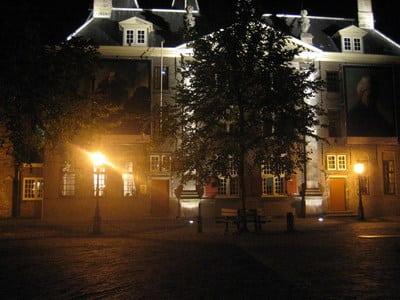 Lusiteren naar spannende misdadige winterverhalen Leiden
